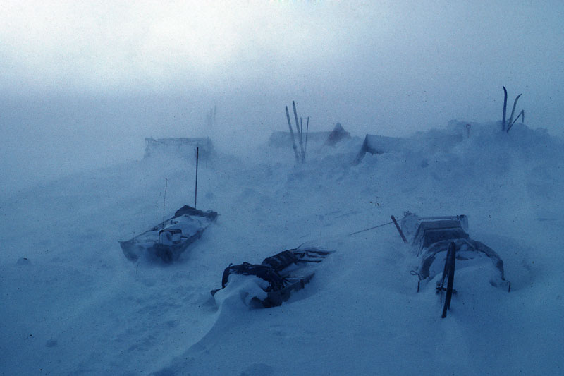 http://www.swisseduc.ch/glaciers/arctic-islands/icons-03/03-08-blizzard.jpg