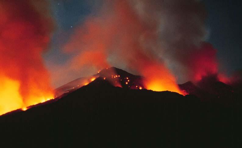 http://www.swisseduc.ch/stromboli/volcano/beso/icons/1June1996mueller2.jpg